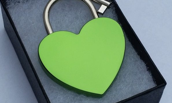 Lock-itz® introduces two NEW colors for their heart lock collection – Blue and Green